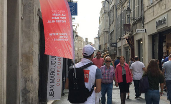 SFR affichage mobile street marketing Keemia Bordeaux Agence marketing local en region Aquitaine