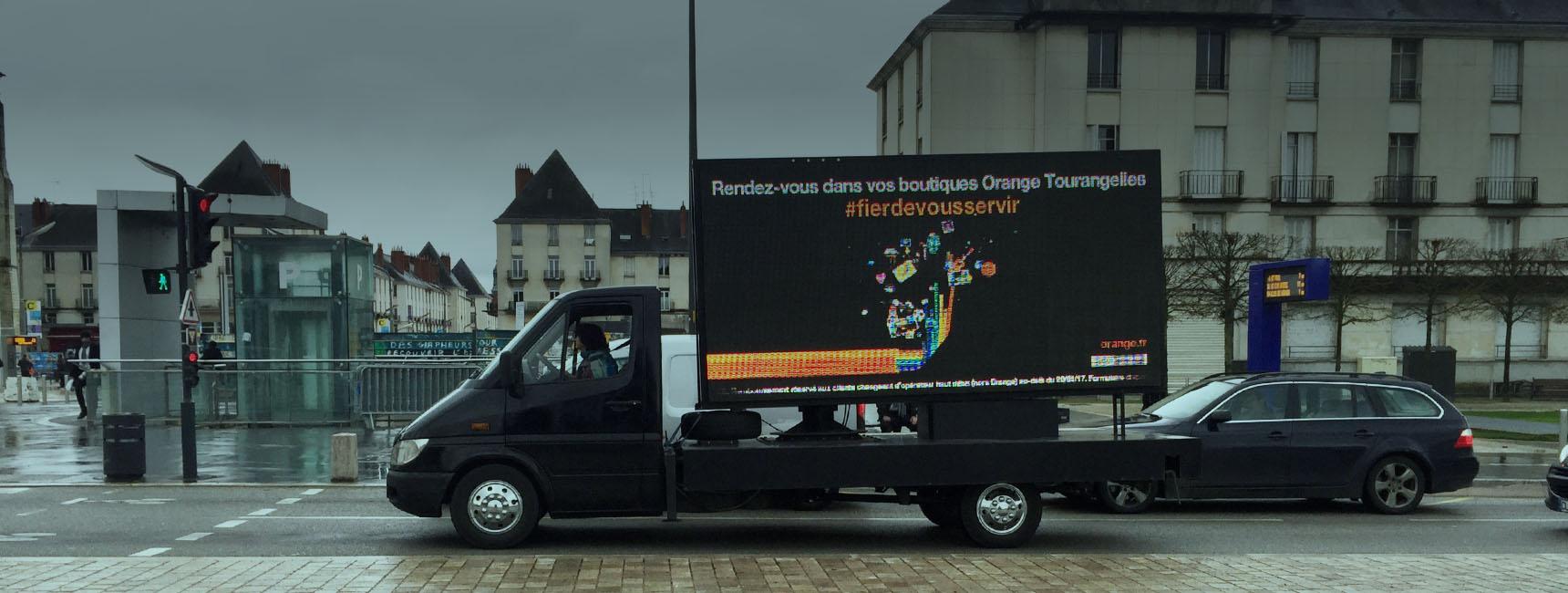 Dispositifs d'affichage mobile - Keemia Bordeaux Agence marketing local en région Aquitaine