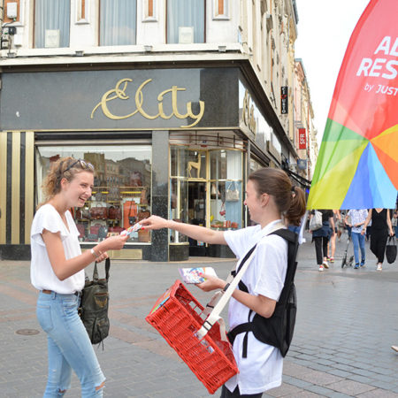 Allo Resto en street marketing - Keemia Communication OOH - Agence conseil et opérationnelle, Hors média & Solutions OOH