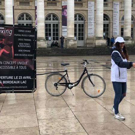 Opé Coup de Poing à Bordeaux - Keemia Communication OOH - Agence conseil et opérationnelle, Hors média & Solutions OOH