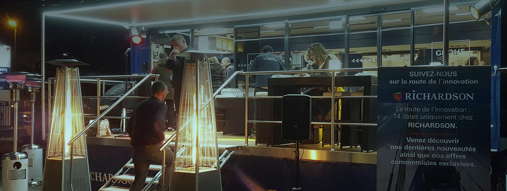 Cocktail dînatoire et formation en camion showroom pour Grohe - Keemia Event et Expérience Agence événementielle et roadshow