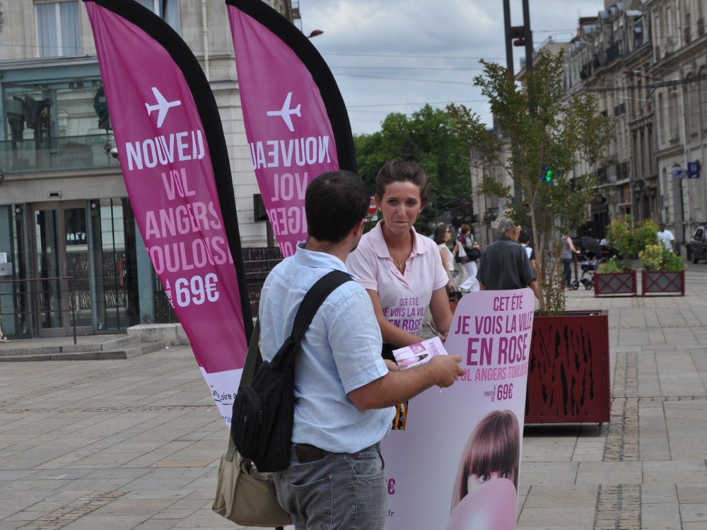 Toulouse Angers - Affichage mobile - street marketing - Keemia agence marketing local Marseille
