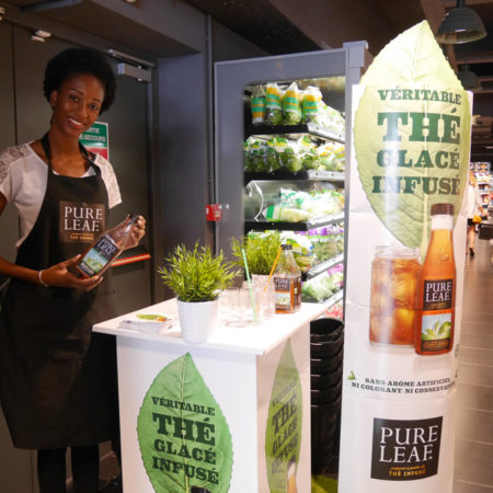 Stand de dégustation pour la nouvelle boisson de Pure Leaf en magasin - Keemia Shopper Marketing Expérientiel