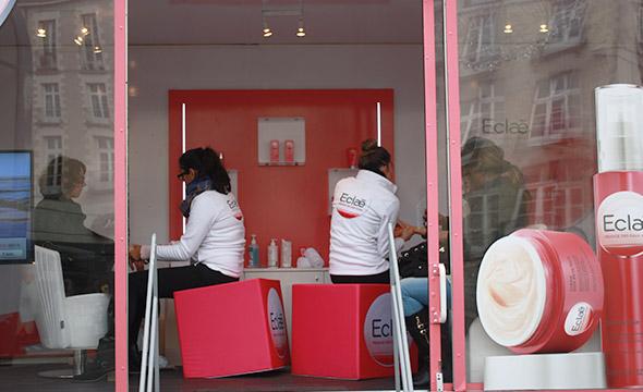 Un camion showroom pour la promotion de la marque Eclae - Keemia Shopper Marketing - Agence d'activation shopper marketing phygitale