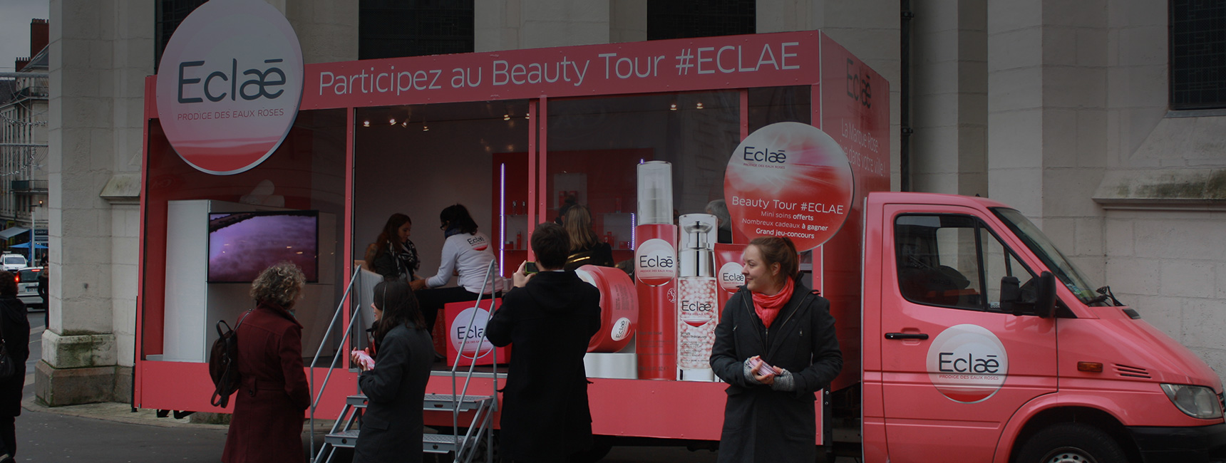 Un camion showroom pour la promotion de la marque Eclae - Keemia Shopper Marketing - Agence d'activation shopper marketing phygitale