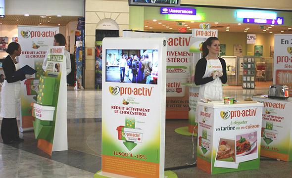 Espace dégustation pour découvrir le produit Fruit d'Or - Keemia Shopper Marketing - Agence d'activation shopper marketing phygitale
