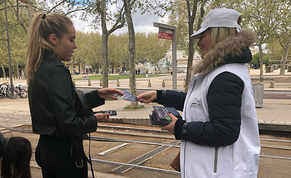 Diffusion street marketing et affichage mobile pour Axel vega - Keemia Shopper Marketing - Agence d'activation shopper marketing phygitale