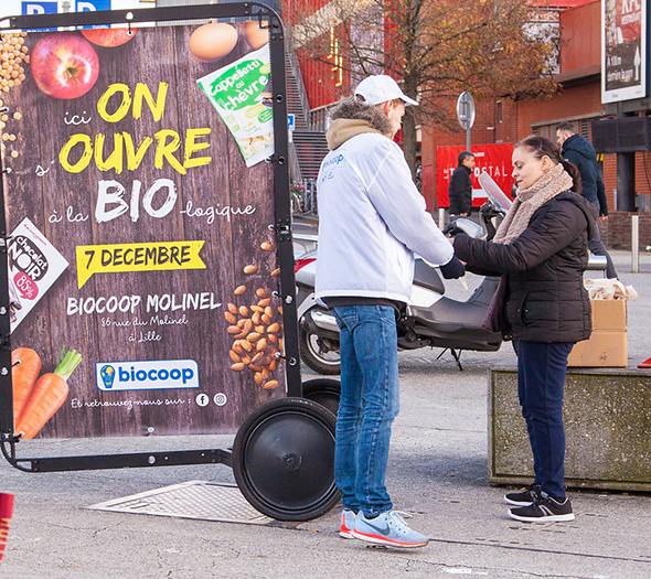 Biocoop en affichage mobile Bike'Com à Lille - Keemia Shopper Marketing - Agence d'activation shopper marketing phygitale