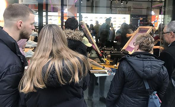 Animation pour l'ouverture des magasins Courir en Belgique -Keemia Shopper Marketing - Agence d'activation shopper marketing phygitale