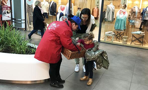 dispositif visibilite et augmentation des ventes chocotruck pour les 100 de la marque cemoi Keemia Shopper Marketing Agence d'activation shopper marketing phygitale