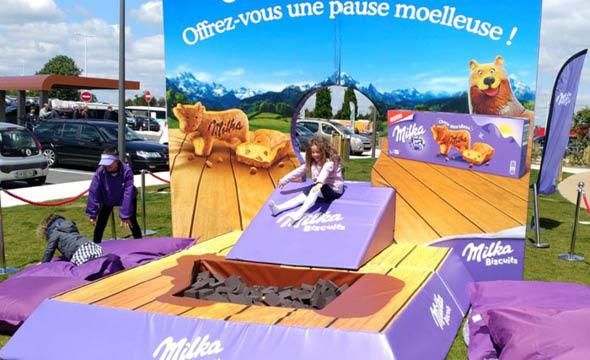 Milka Outstore street marketing agence d'activation shopper marketing phygitale