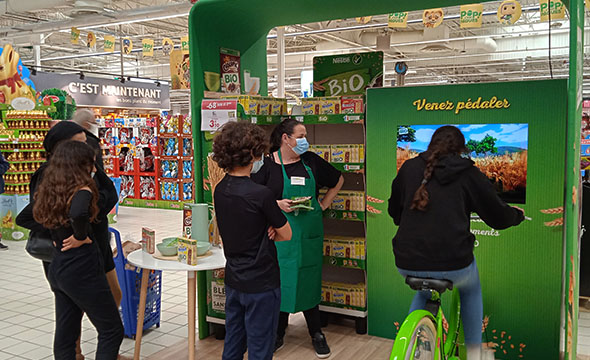 Animation Shop in Shop pour les céréales Bio de Nestlé avec Keemia Shopper l'agence de marketing d'activation shopper phygitale