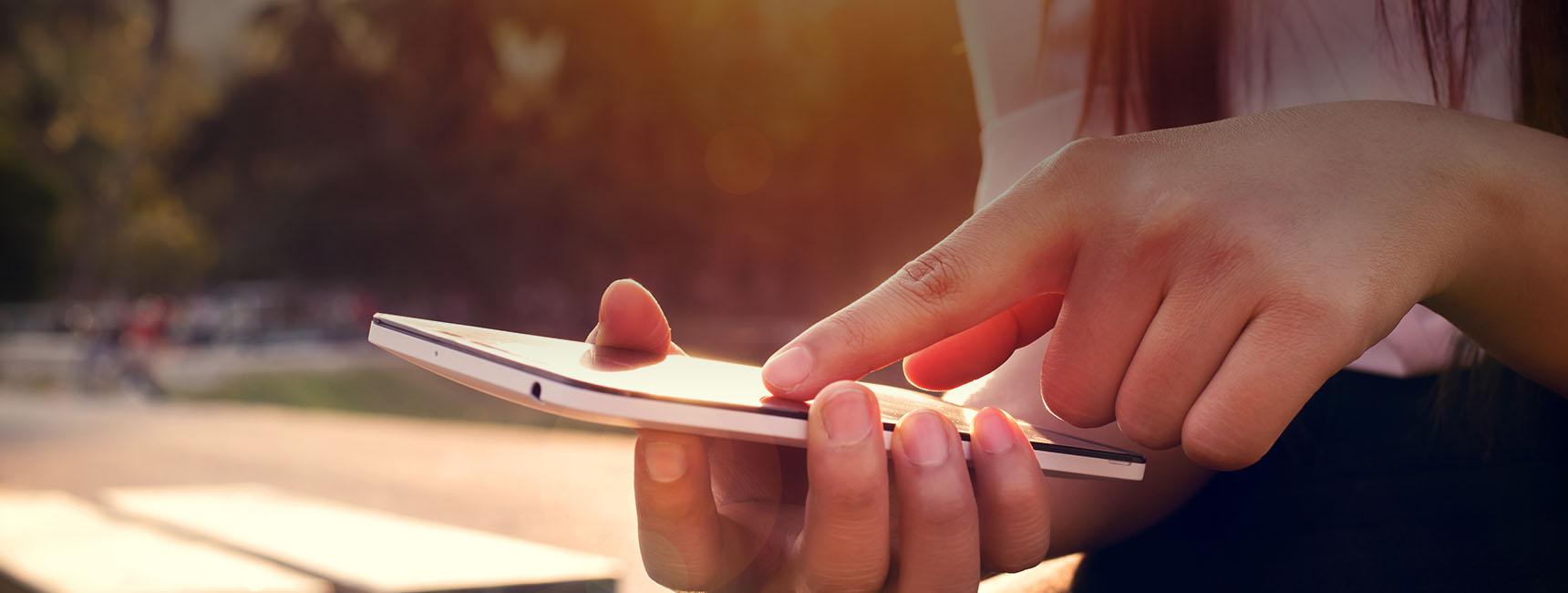 Display mobile Icade sac à pain publicitaire - Keemia Toulouse agence de Marketing locale en région Occitanie