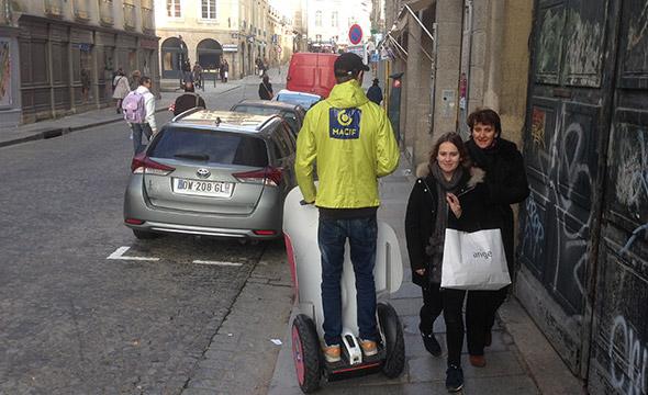 Macif Affichage mobile street marketing Keemia Tours Agence marketing local en région Centre Normandie