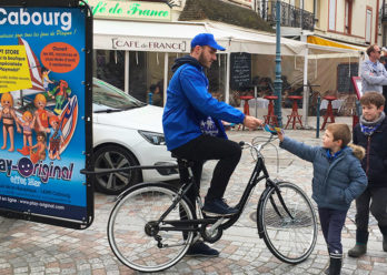 Playmobil affichage mobile street marketing Keemia Tours Agence marketing local en region Centre Normandie