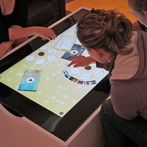 table Multi Touch - Keemia Tours - Agence de Marketing Locale en région Centre Normandie